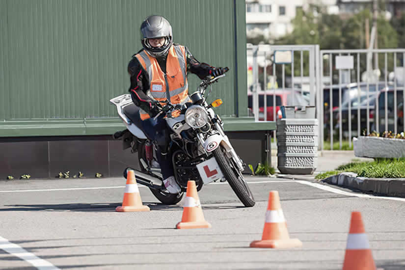 Tips and advice for passing the motorcycle riding test