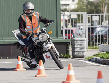 Tips for passing the motorcycle riding test